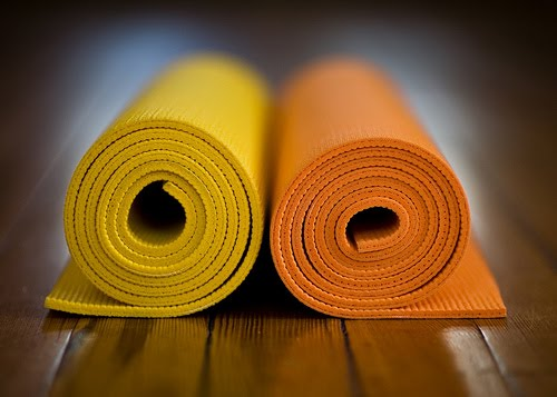 5-Minute Cheap Yoga Mat Cleaner